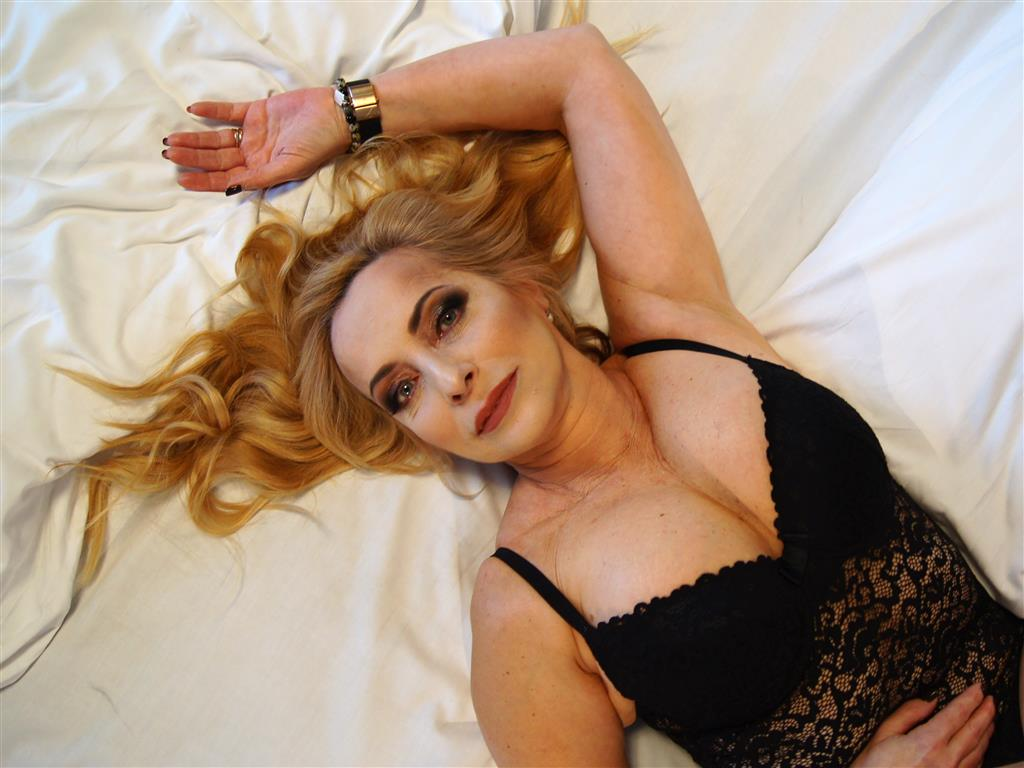 vxhost 8061196 - sensualMargot - Frau